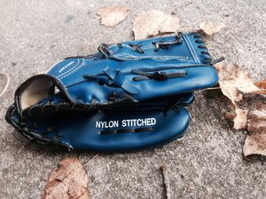 Baseball Glove for Sale in Reynoldsburg, OH
