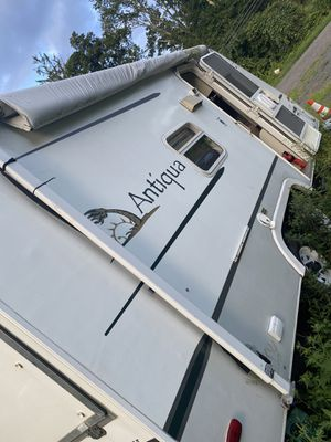 Hybrid camper has 5 beds can sleep 8-10 for Sale in Plymouth, CT