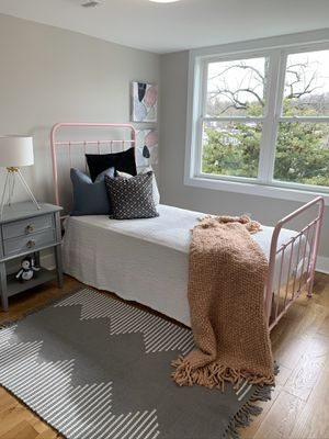 Pink Twin bed for Sale in Chevy Chase, MD