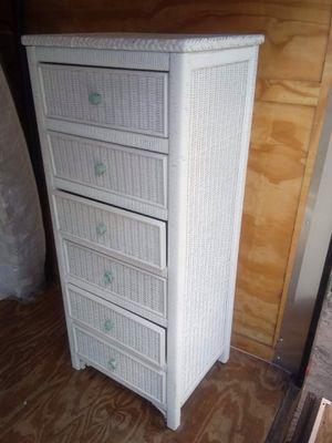 Lexington wicker Tall dresser for Sale in Fort Meade, FL