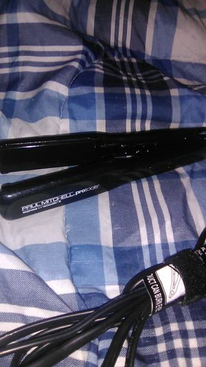 Never used Paul Mitchell hair straightener for Sale in Baltimore, MD
