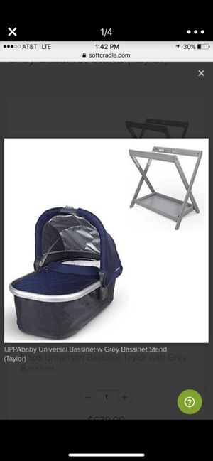 UPPAbaby Universal Bassinet w White Bassinet Stand for Sale in Austin, TX