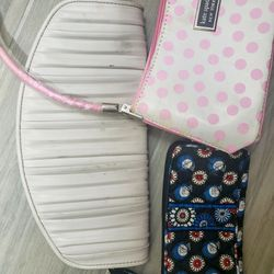 3 purses and wristlets for Sale in Calais,  VT
