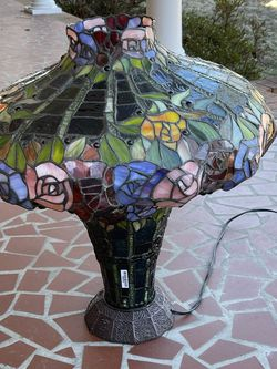 Stain glass lamp ,very nice ,very large for Sale in Hampton,  VA