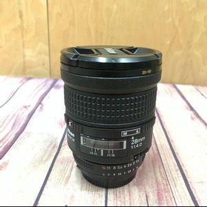 Nikon AF Nikkor 28mm 1:1.4D lens for Sale in Los Angeles, CA
