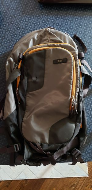 REI hiking backpack for Sale in Glen Burnie, MD