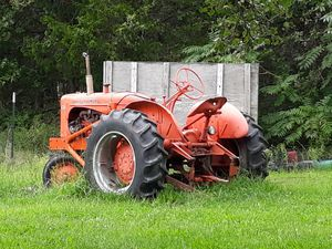 1950s wd45 allis Chalmers tractor for Sale in Rolla, MO