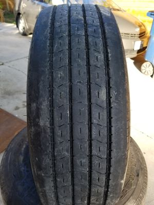 235/85R16 used 225/75R15 trailer tires for Sale in Austin, TX