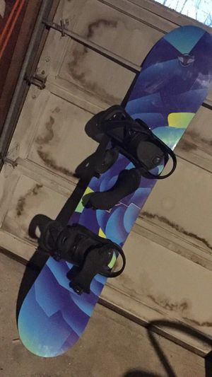 BURTON SNOWBOARD for Sale in North Kingstown, RI