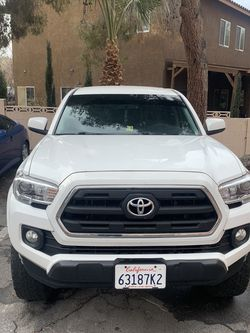 2016 Toyota Tacoma 5ft for Sale in Las Vegas,  NV