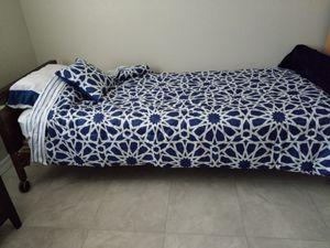 Brand new blanket, bed sheet & pillow set for Sale in Phoenix, AZ