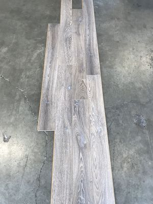 """Laminate flooring 3/8"""" pad attached for Sale in Battle Ground, WA"""