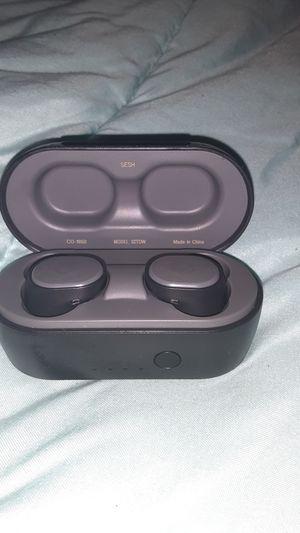 Sesh skull candy earbuds/model#S2TDW for Sale in Atlanta, GA