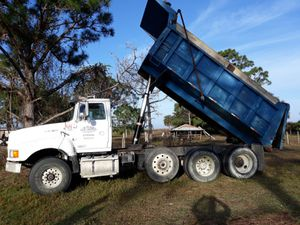 Dump truck for Sale in Lehigh Acres, FL