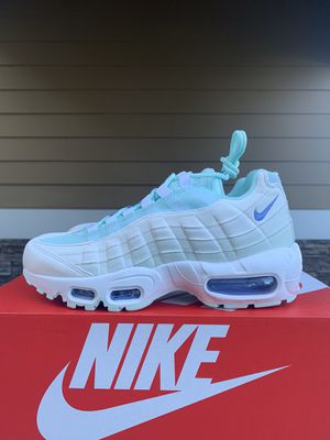 Nike air max women's size 6.5&8 for Sale in Renton, WA