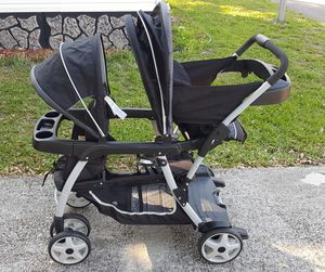 Barely used Graco double Stroller in great condition for Sale in Orlando, FL