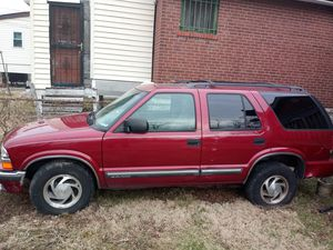 2001 Chevy blazer for Sale in St. Louis, MO