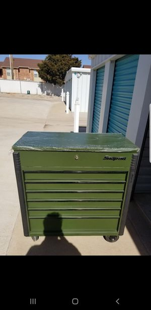 Snap On tool box combat green in great condition, Cover included 1500 obo for Sale in El Reno, OK