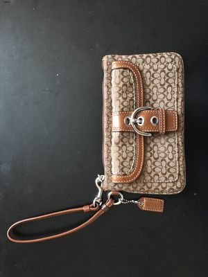 Coach small brown wristlet for Sale in San Francisco, CA