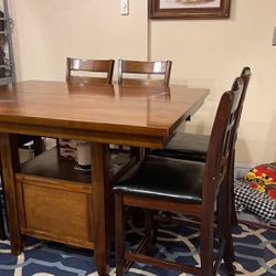 Dining Room Table With 6 Chairs for Sale in Tacoma,  WA