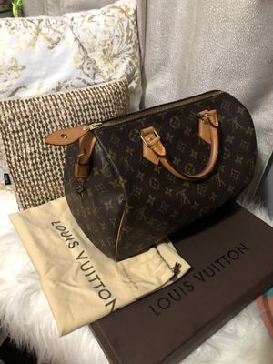 In amazing condition LV speedy 30 comes with box/dust bag and keys for Sale in Boston, MA