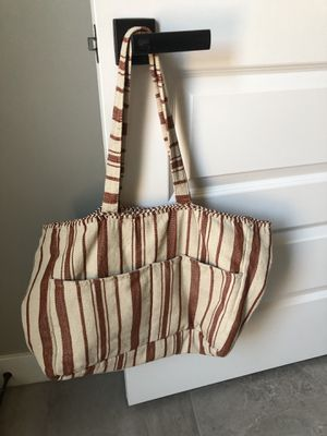 LIKE NEW - AMUSE SOCIETY - BEACH TOTE/BAG for Sale in Peoria, AZ