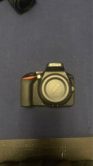 Nikon D5600 for Sale in Miami, FL