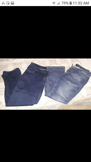 5 pants size 18 for Sale in Martinsburg, WV
