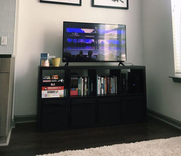 "LIKE NEW - 43"" Vizio Flat Screen TV"