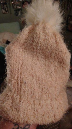 Woman's winter hat for Sale in Philadelphia, PA