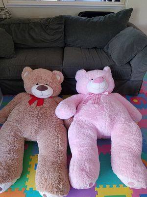2 x 4 ft stuffed teddy bears for Sale in Elk Grove, CA