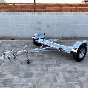Folding tow Dolly With Surge Brakes for Sale in Phoenix, AZ