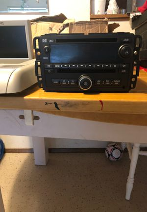 DVD player/ Stereo and Screen for Chevrolet Suburban 2007-2014 for Sale in Seattle, WA