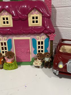 Calico Critters House And Family Dog Set$45 for Sale in Yakima,  WA