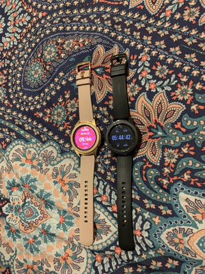 Galaxy Watches, Tv's and a Mini Nintendo game for Sale in San Antonio, TX