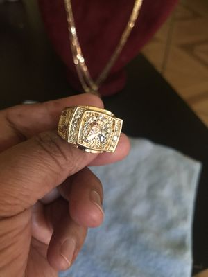 READ THE POST BEFORE. BEAUTIFUL RING WITH WHITE STONES AND GENTLEMEN'S HORSE SIZE 11. PICK UP ONLY PLEASE $ 25 NO DELIVERY for Sale in Riverside, CA
