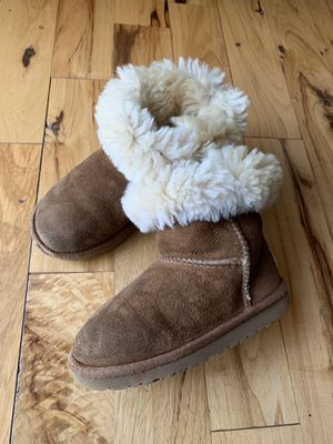 Girls UGG Boots SZ 10 for Sale in Fayetteville, NC