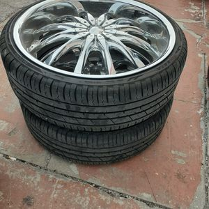 "22"" rims with tires 5 lugs. for Sale in Ocean Ridge, FL"