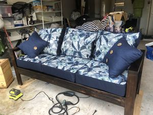 Outdoor / indoor couch brand new for Sale in Kissimmee, FL