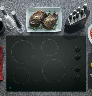 GE 30 in. Radiant Electric Cooktop with 4 Elements including 2 Power Boil BLACK for Sale in Nashville, TN