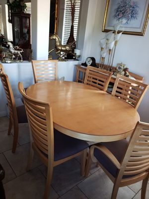 Kitchen Dinnet Set Table and 6 chairs With China Cabinet. for Sale in Las Vegas, NV