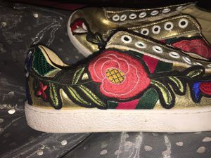 Gucci sneakers - size 6.5 excellent condition for Sale in Lynnwood, WA