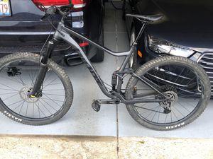 2020 giant stance 2 (29er) LARGE mens full suspention mountain bike for Sale in Homer Glen, IL