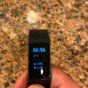 Fitbit Charge 4 for Sale in Temecula, CA
