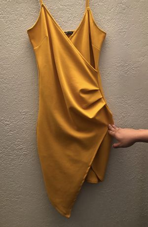Royal Yellow Dress for Sale in Chino Hills, CA