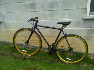 Purefix Juliet matte black road bike for Sale in Coburn, PA