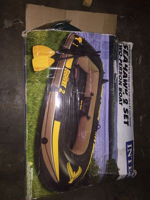 Seahawk inflatable raft with paddles for Sale in Auburn, WA