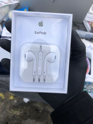Apple earbuds airpods with wire for Sale in Freehold, NJ