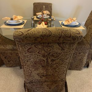 Dining Table and Chairs for Sale in Raleigh, NC
