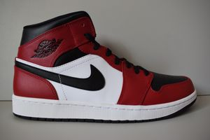 Nike Air Jordan 1 Mid 'Chicago Black Toe' 554724 069 for Sale in New Carrollton, MD